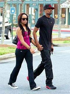 Bobbi Kristina & Whitney Houston's 'Adopted Son' Hold Hands, Kiss in Public | Bobbi Kristina Brown
