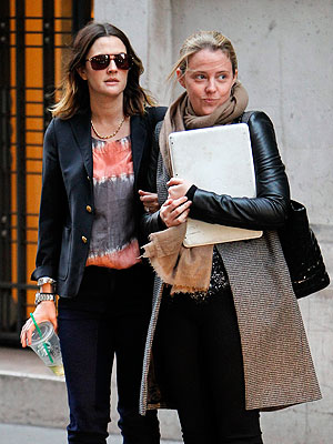 Drew Barrymore Pregnant? Actress Visits Paris with Fiance Will Kopelman