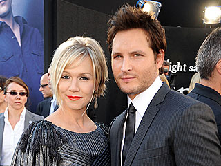 Peter Facinelli Is Taking Co-Parenting 'Day by Day' | Jennie Garth, Peter Facinelli
