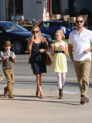 Reese Witherspoon Prepared Her Children for the New Baby