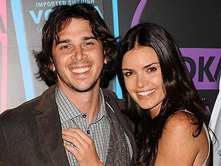 Bachelor Ben & Courtney 'Happy' with Long-Distance Romance | Ben Flajnik, Courtney Robertson