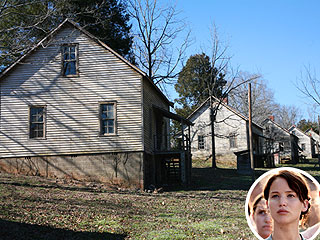 Hunger Games: See Katniss&#39;s House in Person! | The Hunger Games, Jennifer Lawrence