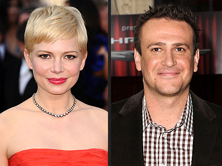 Michelle Williams & Jason Segel Get Cuddly at Movie Premiere | Jason Segel, Michelle Williams