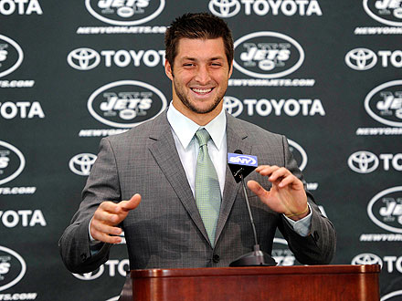 Tim Tebow Gets Welcome to New York Billboard| Mark Sanchez, Tim Tebow