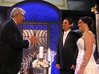 Couple Marries Onstage While Serenaded by Martina McBride