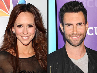 Jennifer Love Hewitt Has Her Eye on Newly Single Adam Levine | Adam Levine, Jennifer Love Hewitt