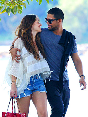 Minka Kelly, Wilmer Valderrama Dating?