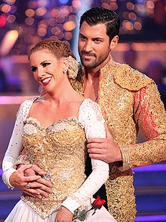 Maksim Says Melissa Gilbert Is in Pain | Maksim Chmerkovskiy, Melissa Gilbert