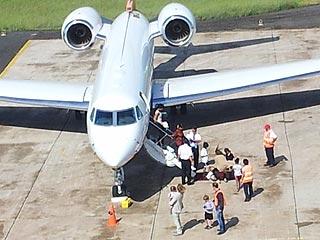 Angelina Jolie & Brad Pitt Arrive in the Galápagos Islands| Engagements, Maddox Jolie-Pitt Cover, Angelina Jolie, Brad Pitt, Knox Jolie-Pitt, Maddox Jolie-Pitt, Pax Thien Jolie-Pitt, Shiloh Jolie-Pitt, Vivienne Jolie-Pitt, Zahara Jolie-Pitt