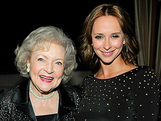 How Sexy Will Betty White Be in The Client List Finale? | Betty White, Jennifer Love Hewitt