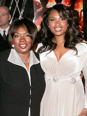 Photo of Jennifer Hudson & her Mother  Darnell Hudson