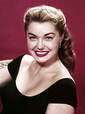Esther Williams, MGM's Swim Star, Dies at 91