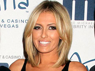Paulina Gretzky Scandalizes Canada (and Dad) with Photos – Again!