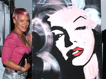Pink Pays $10,000 for Marilyn Monroe Painting