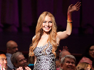 Lindsay Lohan on Glee: See New Photos