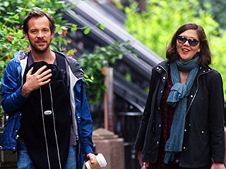 Maggie Gyllenhaal, Peter Sarsgaard and Newborn Daughter Go Shopping