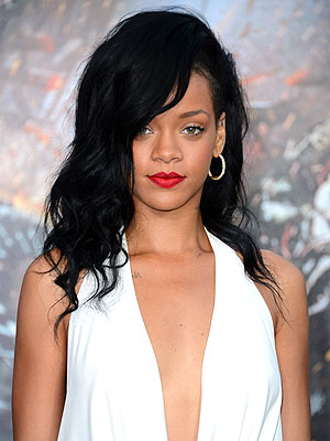 Rihanna Takes Sense of Style to TV in New Design Competition | Rihanna