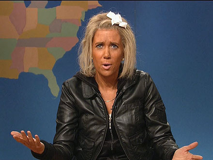 Kristen Wiig Plays &#39;Tanning Mom&#39; on SNL