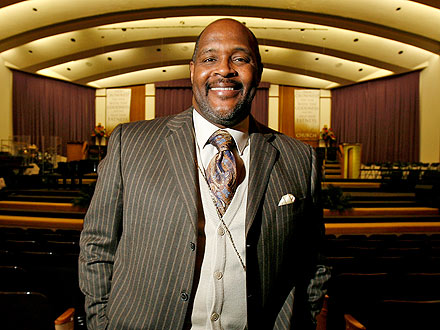 Rev. Marvin Winans Beaten, Carjacked in Detroit