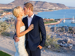 Buffy the Vampire Slayer's Mercedes McNab Is Married| Buffy the Vampire Slayer, Celebrity Weddings, TV News