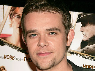 Nick Stahl Reaches Out to Friends