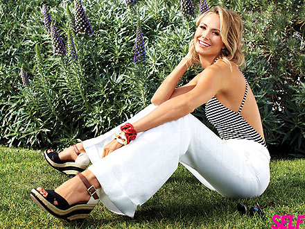 Stacy Keibler Flaunts Her Fit Physique| Bodywatch, George Clooney, Stacy Keibler