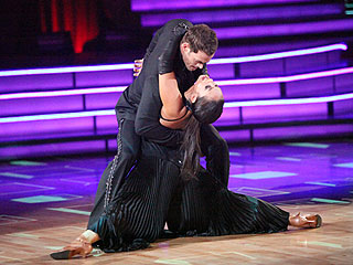 William Levy Surprised by His Dancing Success | Cheryl Burke, William Levy