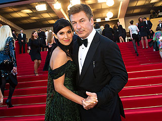 Alec Baldwin & Hilaria Thomas Are Married! | Alec Baldwin, Hilaria Thomas