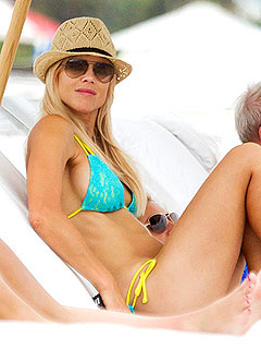 PHOTO: Single-Again Elin Nordegren Lounges in a Skimpy Bikini | Elin Nordegren