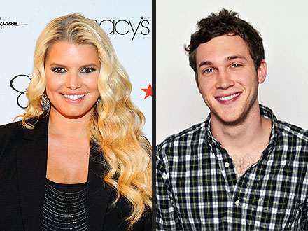 American Idol Finale: Jessica Simpson Roots for Phillip Phillips