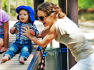 PHOTO: Natalie Portman Takes Son Aleph on a Playground Playdate | Natalie Portman