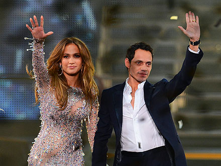Jennifer Lopez & Marc Anthony Share Stage in Vegas
