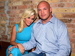 Jenny McCarthy & Chicago Bear Beau Brian Urlacher Split | Jenny McCarthy