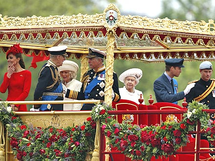 Royal Family Floats Down Thames for Queen's Jubilee Pageant| The Royals, Carole Middleton, James Middleton, Kate Middleton, Michael Middleton, Pippa Middleton, Prince Charles, Prince Harry, Prince William, Princess Beatrice, Princess Eugenie, Queen Elizabeth, Queen Elizabeth II
