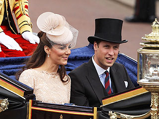 Royal Redo! Will & Kate Take a Carriage Ride in London | Kate Middleton, Prince William