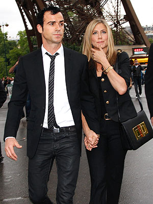 Jennifer Aniston & Justin Theroux Reunite in North Carolina