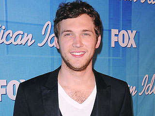 Phillip Phillips's Surgery Recovery Had Him 'Going Crazy'