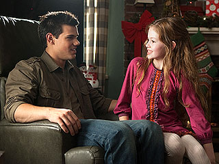 PHOTO: Jacob & Renesmee Meet Up in Breaking Dawn Part 2 | Taylor Lautner