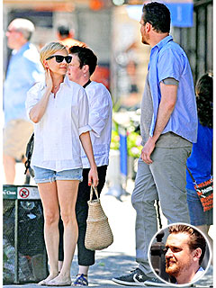 Michelle Williams & Jason Segel Stroll Through New York City
