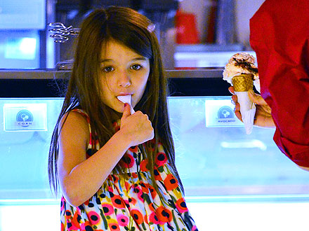 Katie Holmes Takes Suri Out for Ice Cream in New York City| Breakups, Couples, Katie Holmes, Suri Cruise, Tom Cruise