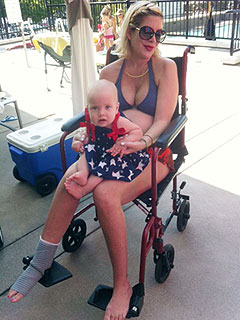 Tori Spelling Spends 4th of July in a Wheelchair
