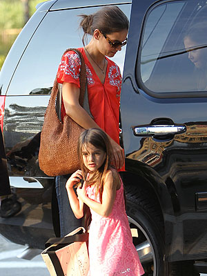 Tom Cruise, Katie Holmes Divorce: Suri Practices Gymnastics in New York