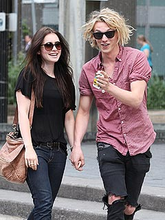 Bonnie Wright & Jamie Campbell Bower Are No Longer Engaged | Jamie Campbell Bower, Lily Collins