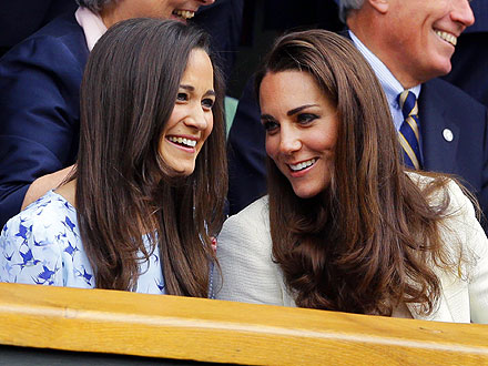 Wimbledon: Kate and Pippa Middleton Cheer for Andy Murray - Photos
