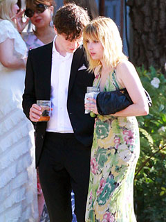 Is Emma Roberts Dating American Horror Story's Evan Peters?