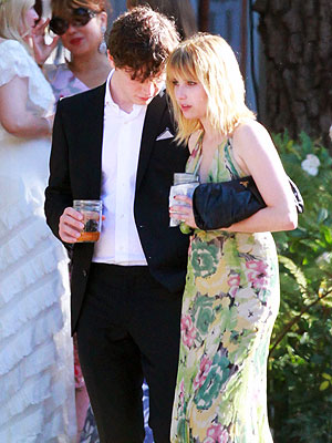 Emma Roberts and Evan Peters: New Couple?