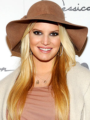 Jessica Simpson's Drink of Choice: Water