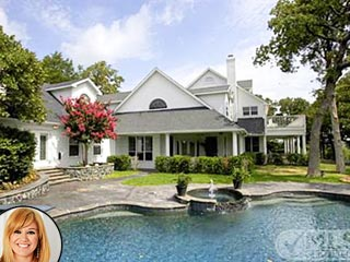 Kelly Clarkson Selling Her Ranch for $1.5 Million (Photos) | Kelly Clarkson