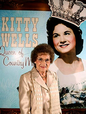 Kitty Wells Dies; Country Legend Dead at 92