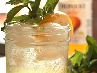 Having a Teen Choice Awards Party? Serve This Refreshing Mocktail!